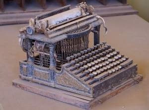 Antique Typewriter_SourcePDPhoto.org