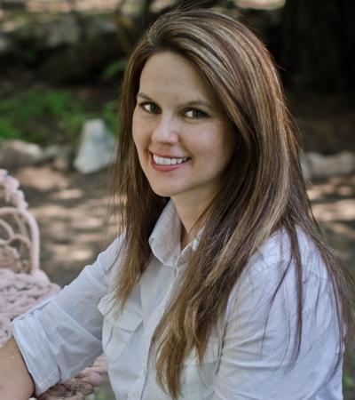 Author-Angela-Smith