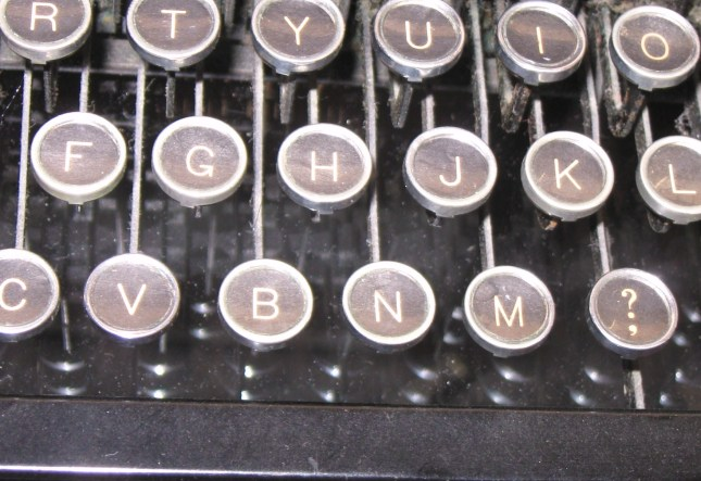 Antique-Typewriter-NaNoWriMo